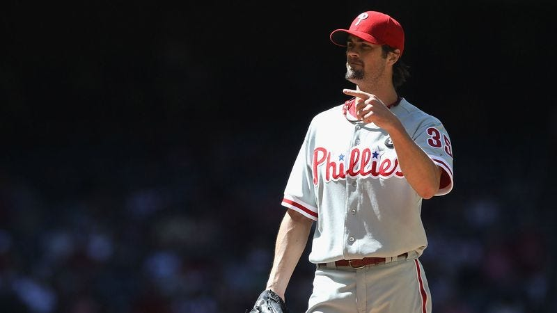 Illustration for article titled Cole Hamels Disgusted By Opposing Pitchers Leaving Trash On Mound
