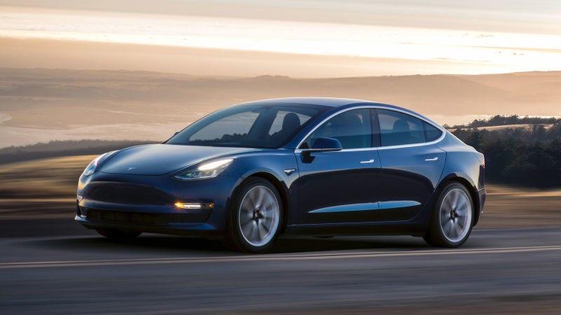 Illustration for article titled Con esta herramienta puedes calcular cuánto cuesta realmente un Tesla Model 3