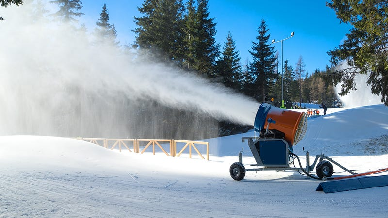Illustration for article titled A New Machine Lets Ski Resorts Make Snow Even When it's 90 Degrees Out