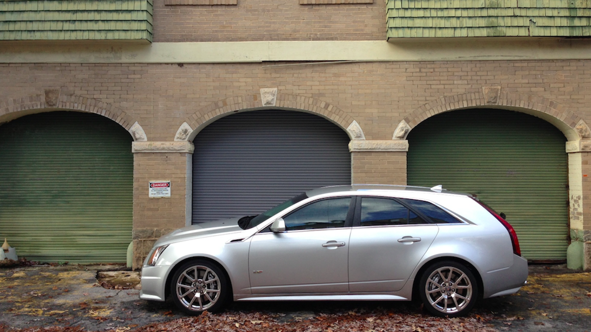 v gallery wagon for photo photos drive first autoblog cts cadillac sale
