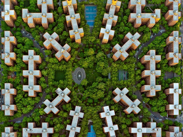 These Colorful Patterns Are Famous LA and NYC Neighborhoods From Above