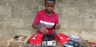 Self-taught engineer Kelvin Doe (THNKR)