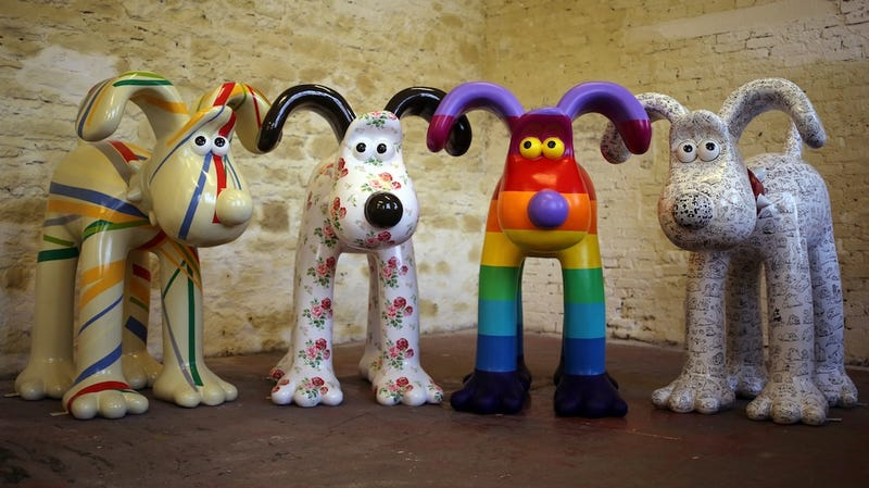 Illustration for article titled Custom painted Gromit statues unleashed all over Bristol