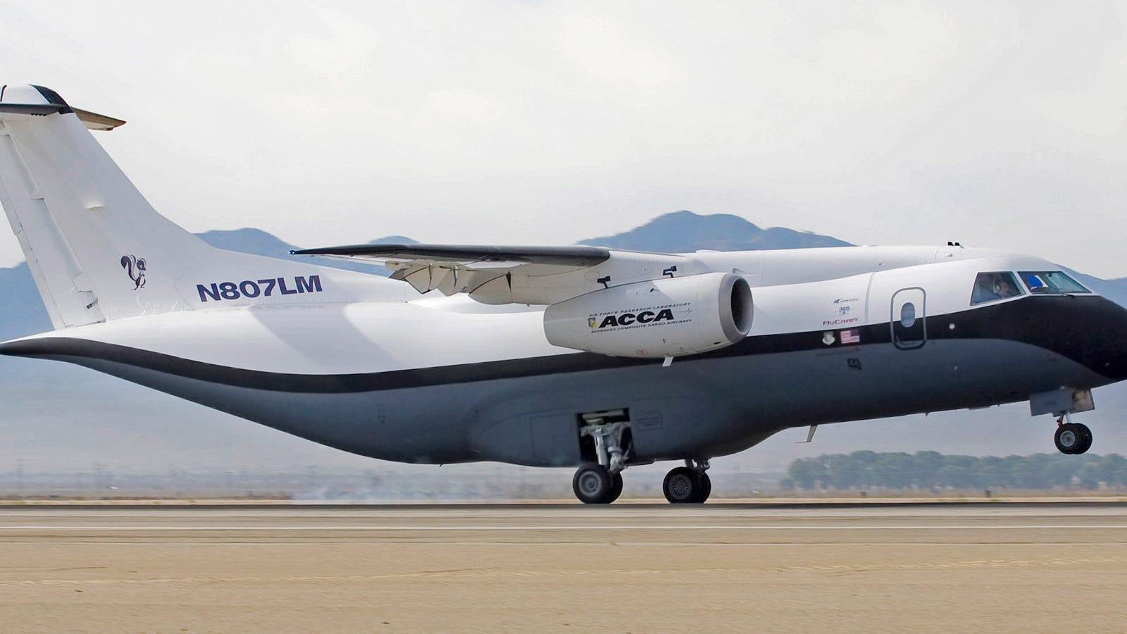 Cómo hacer un avión con solo un 10% de las piezas del modelo original