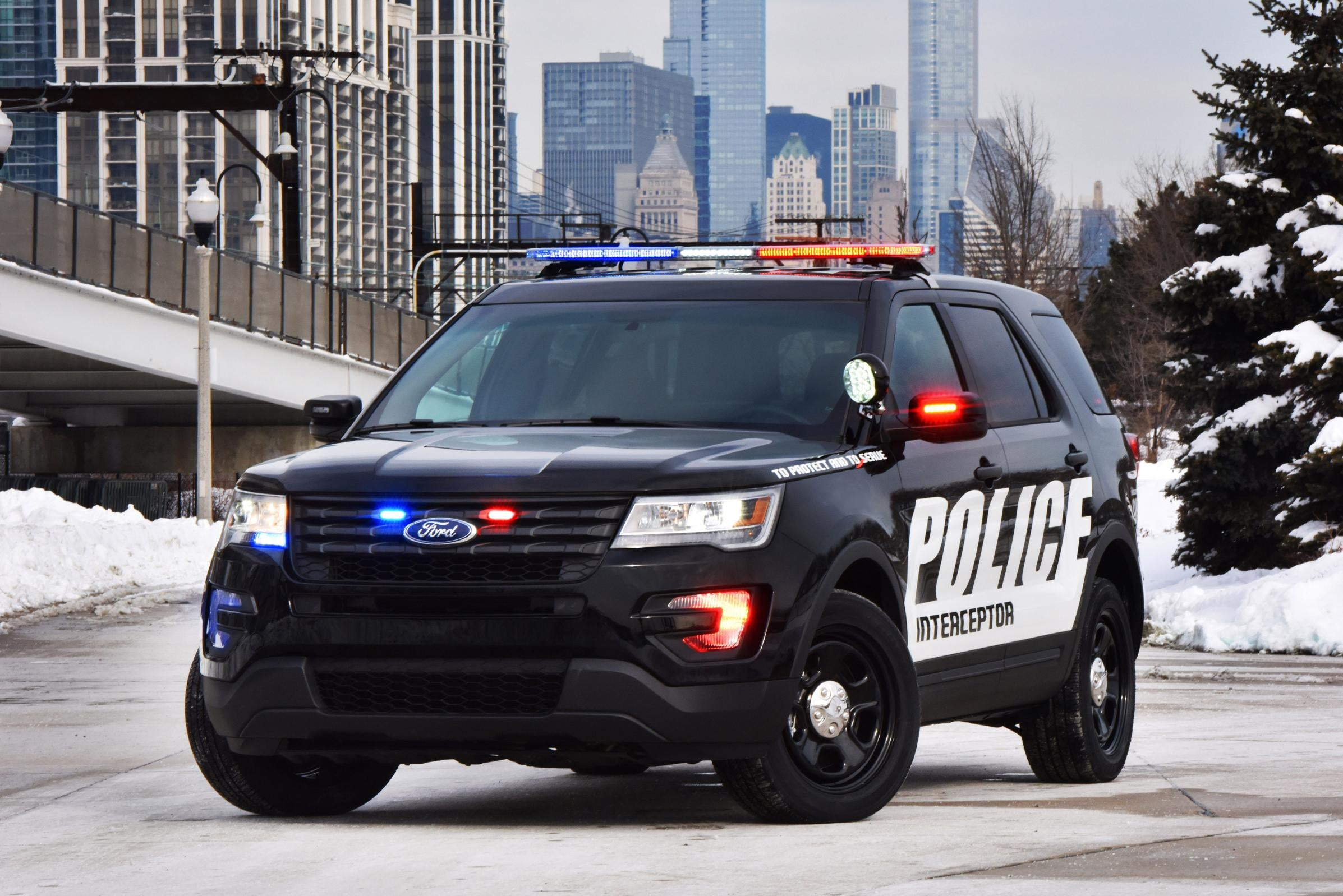 & What The Police-Spec 2016 Ford Explorer Has That Your Momu0027s Doesnu0027t markmcfarlin.com