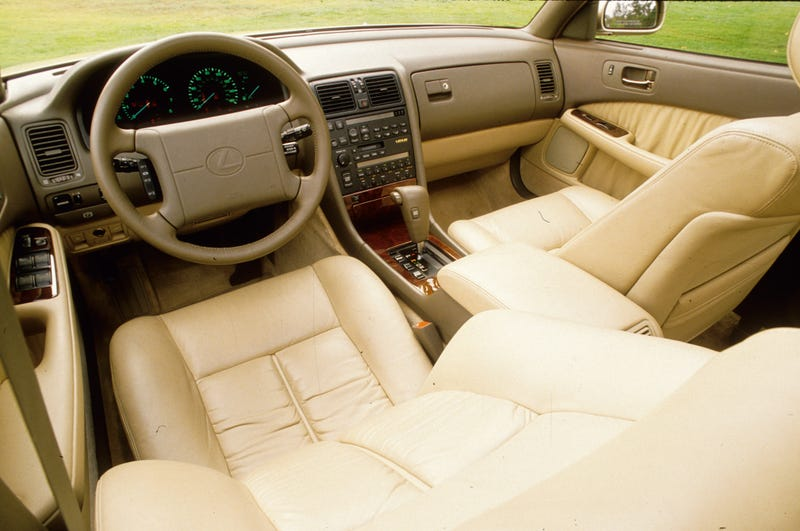 Illustration for article titled Lexus LS dash layout over the years