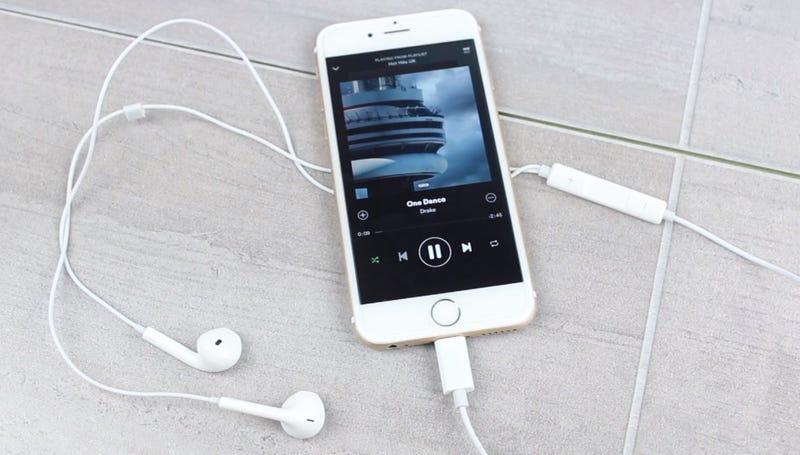 ca9fb100eb9 Illustration for article titled Estos podrían ser los auriculares del iPhone  7, y funcionan con