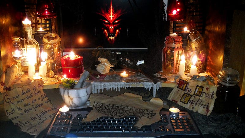 Illustration for article titled No One is More Prepared to Play Diablo III Than This Guy