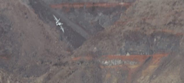 Two Lucky Guys Happen To Spot F18s Buzzing Death Valley