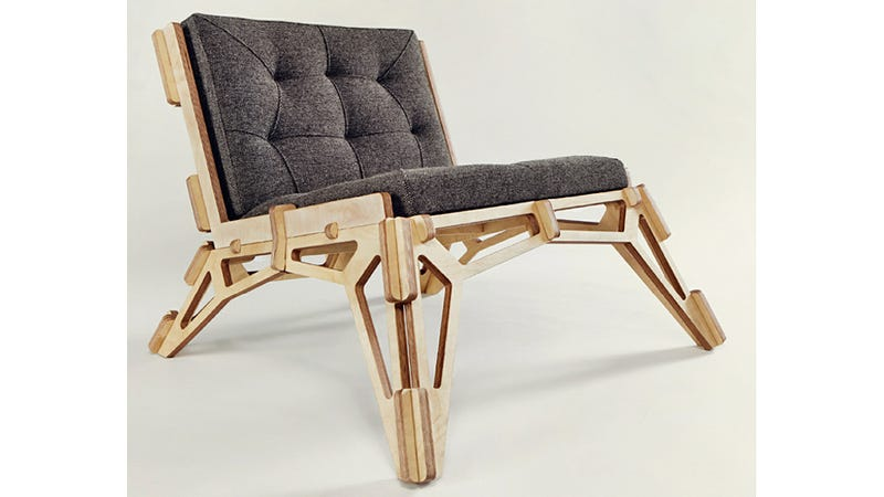 Illustration for article titled How To Turn a Single Sheet of Plywood Into a Lovely Laid-back Lounger