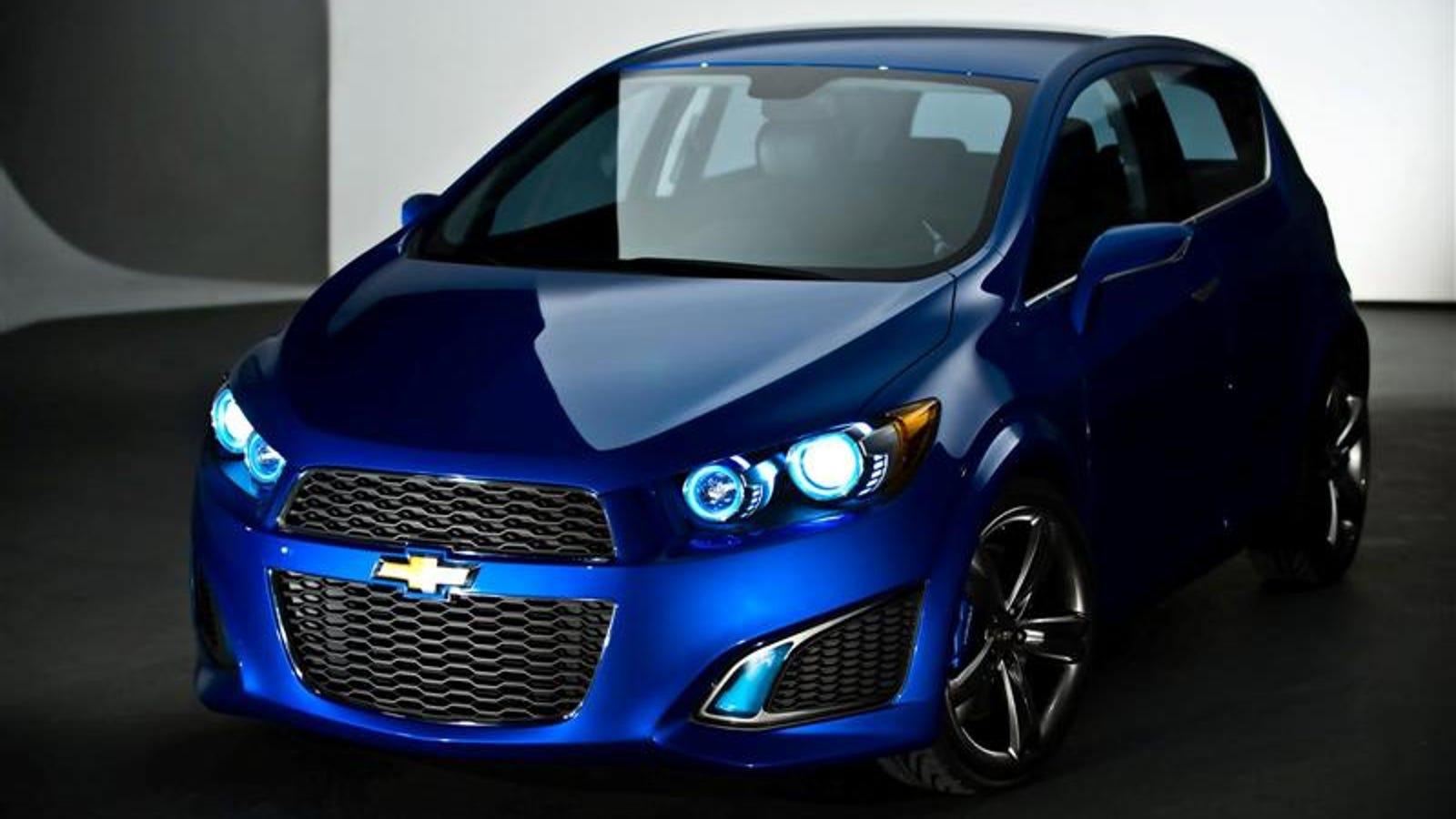 Chevrolet Sonic Repair Manual: Fluid Cooler Inlet Hose Replacement