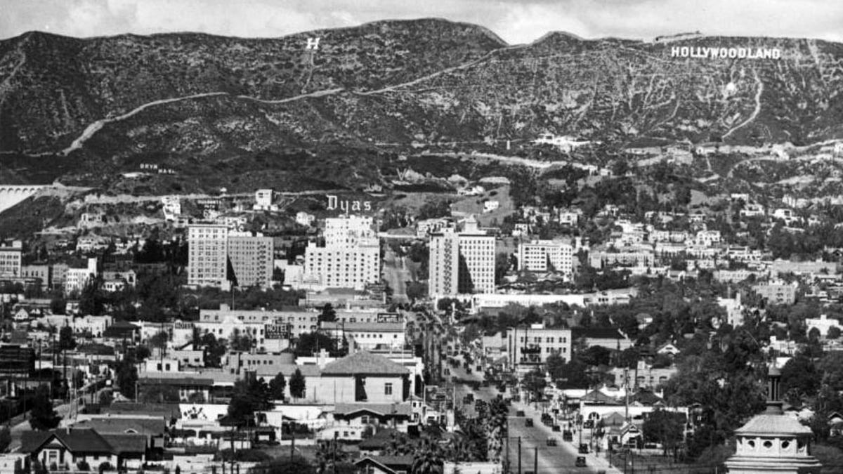 the hollywood sign originally read hollywoodland