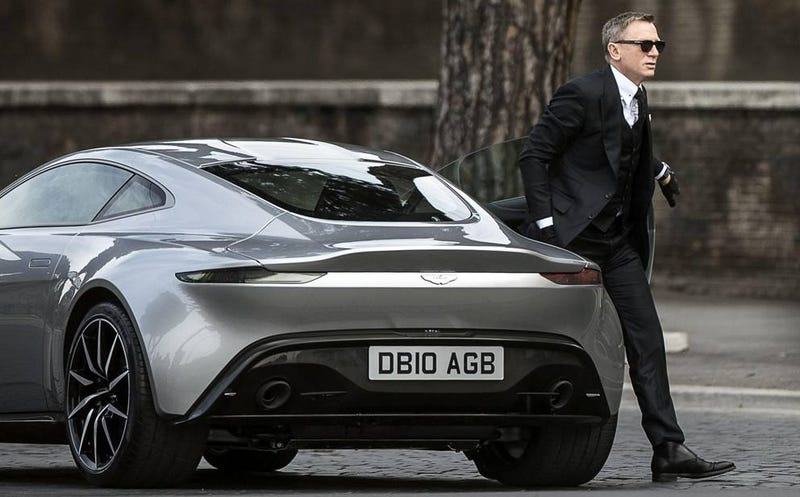 Illustration for article titled James Bond's Aston Martin DB10s Are In Rome