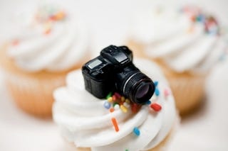Illustration for article titled Tiny Fake DSLR Is Way More Adorable Than Real DSLR