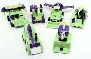 Illustration for article titled Constructicon Vehicle Modes From New Transformers Movie Possibly Revealed