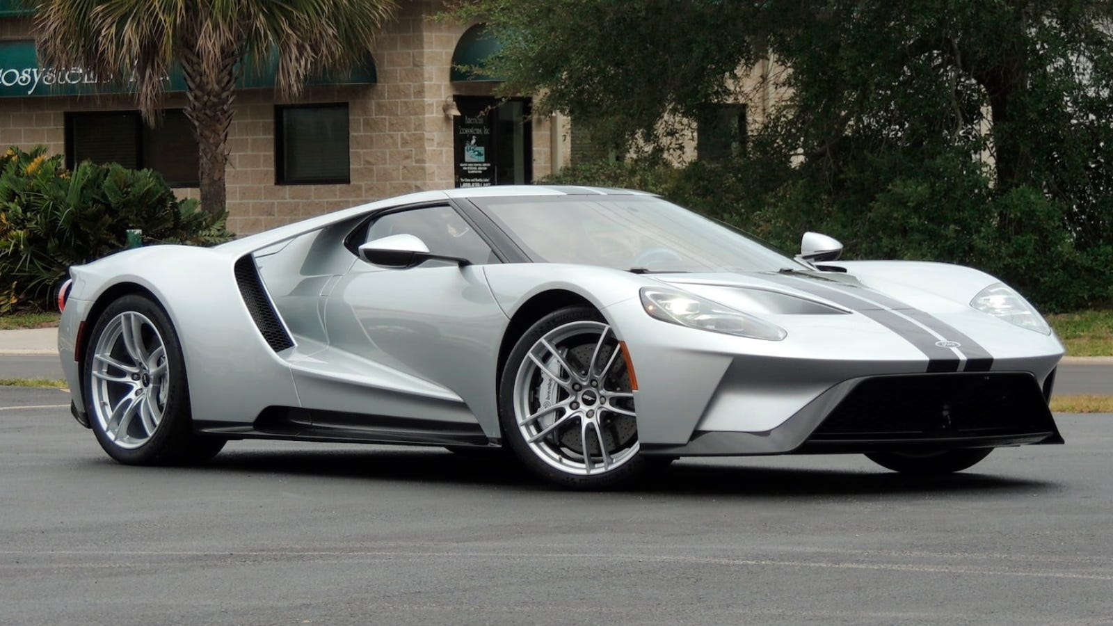 Mecum Auctions Mysterious 2017 Ford GT Sold For 1.65 Million Dollars