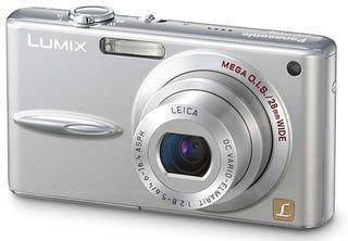 Illustration for article titled Panasonic Slaps Wider Leica Lens on Lumix FX30 Digital Camera