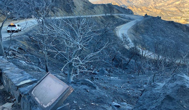 Illustration for article titled California's Fires Have Burned Mulholland Highway Almost Beyond Recognition