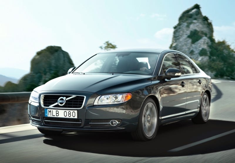 Illustration for article titled 2010 Volvo S80: Euro Facelift Includes Turbo Diesel, Chrome