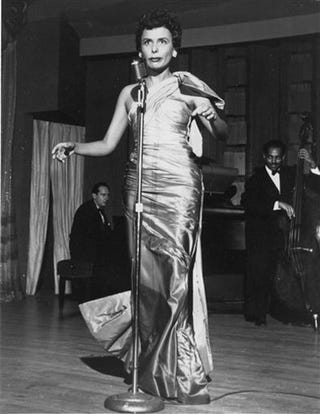 Illustration for article titled Singer Lena Horne Dies At 92