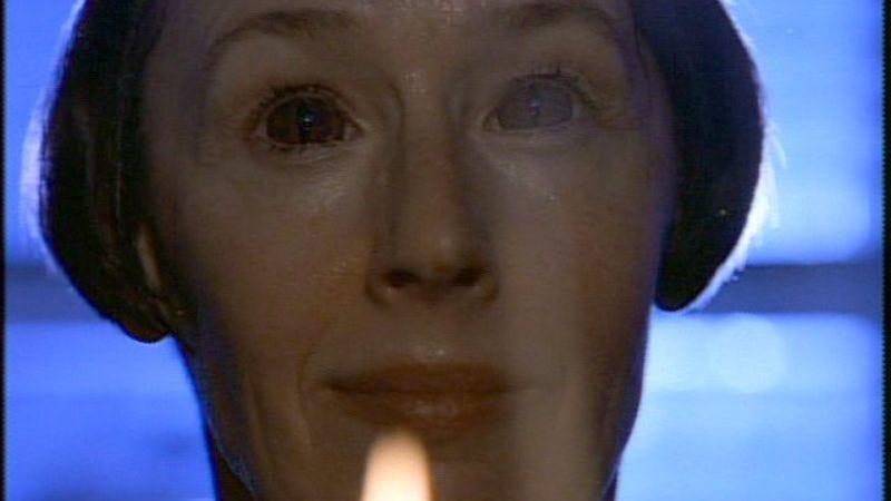 "Illustration for article titled The X-Files: ""Irresistible""/""Die Hand Die Verletzt""/""Fresh Bones"""