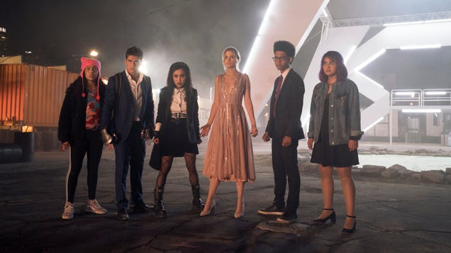 Marvel's Runaways gets a season 2 premiere date and an MCU connection tease