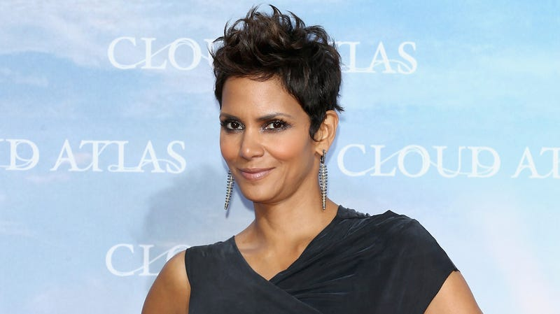 Illustration for article titled Paparazzo to Halle Berry's Daughter: 'You May Not See Your Father Again'