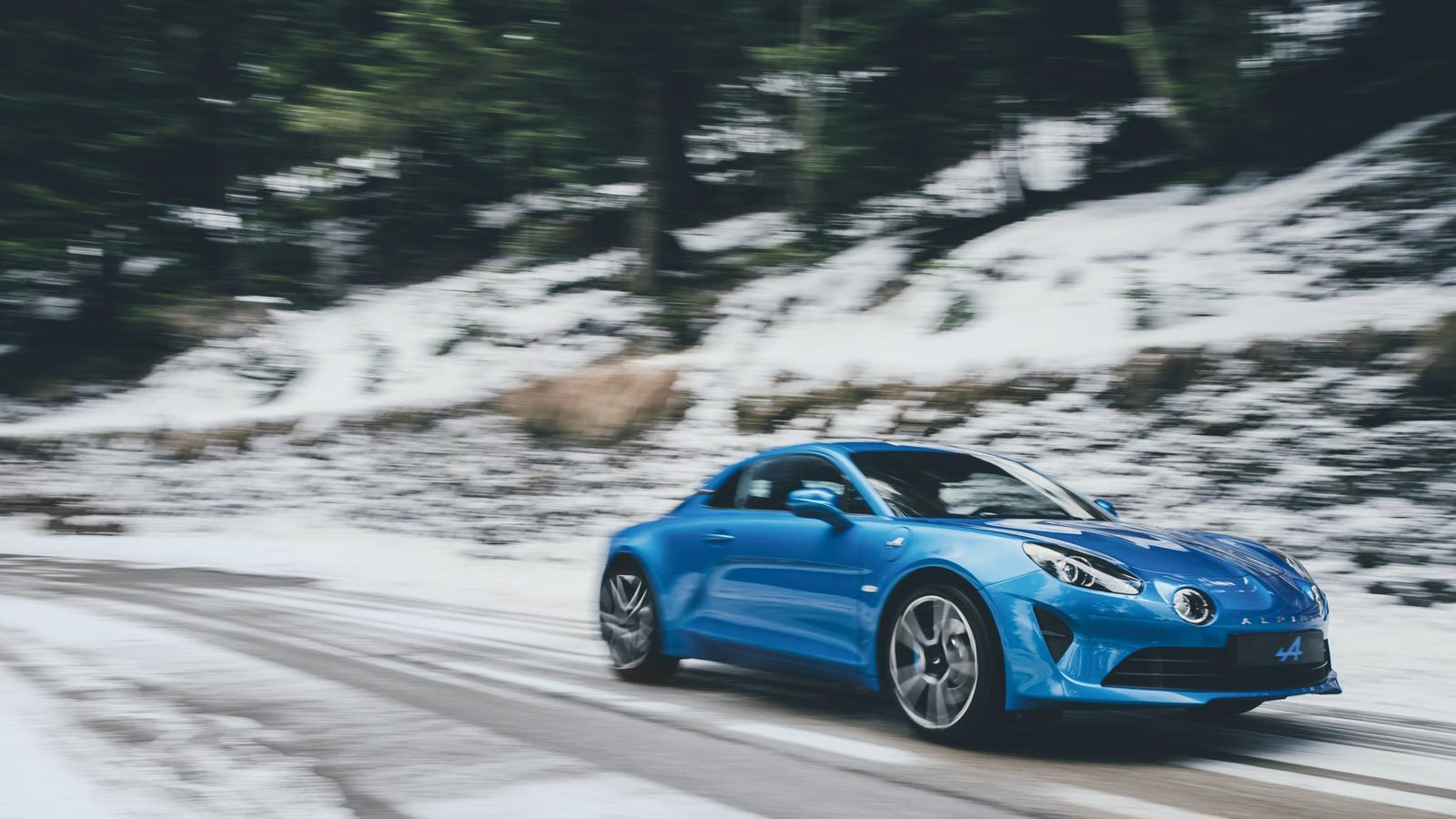 Here's 16 Minutes Of The New Alpine A110's Engine Sounding Absolutely Ferocious