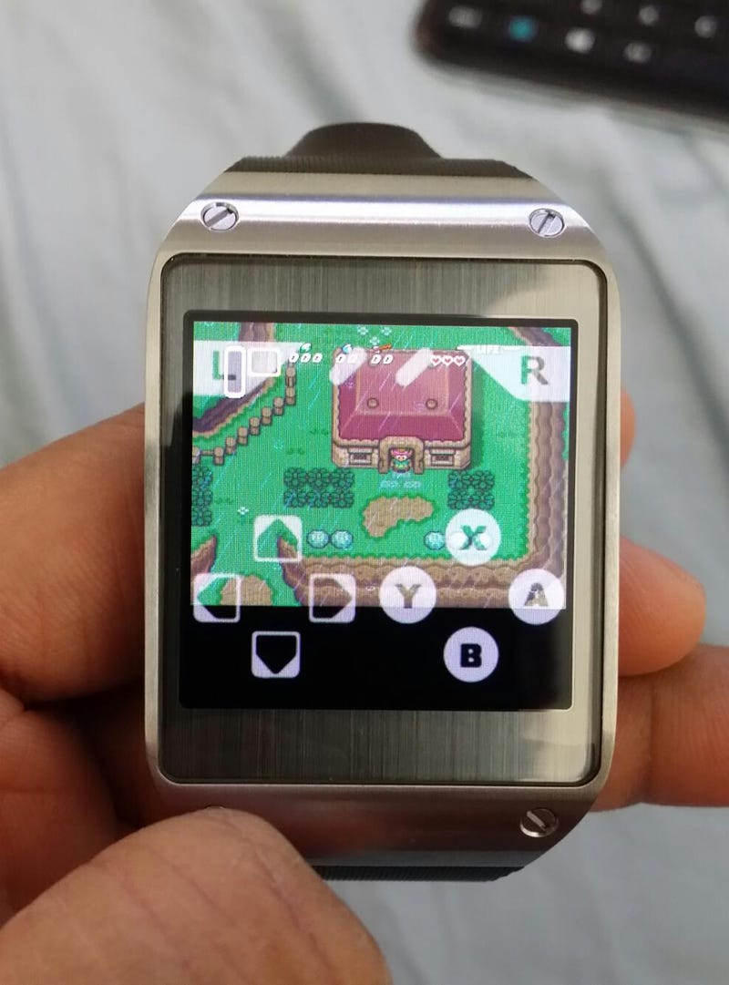 Illustration for article titled A Link to the Past running on a Galaxy Gear