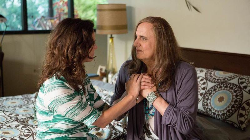 Illustration for article titled Amazon renews Transparent for a second season