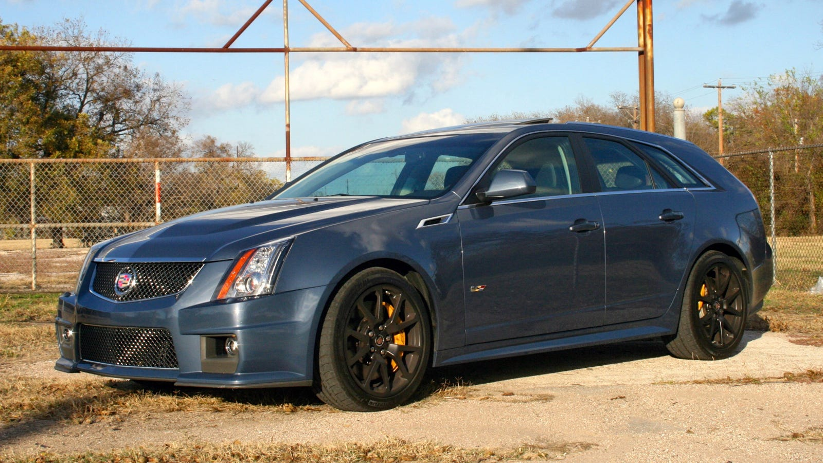 last drive a final tire smoking salute to the cadillac cts v wagon. Black Bedroom Furniture Sets. Home Design Ideas