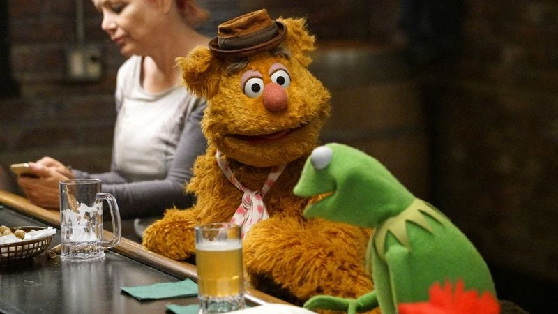 Illustration for article titled The Muppets continues to be adult in its humor, if not its relationships