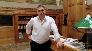 Illustration for article titled Ma este megszületett a Betintázva Nótázó Orbán