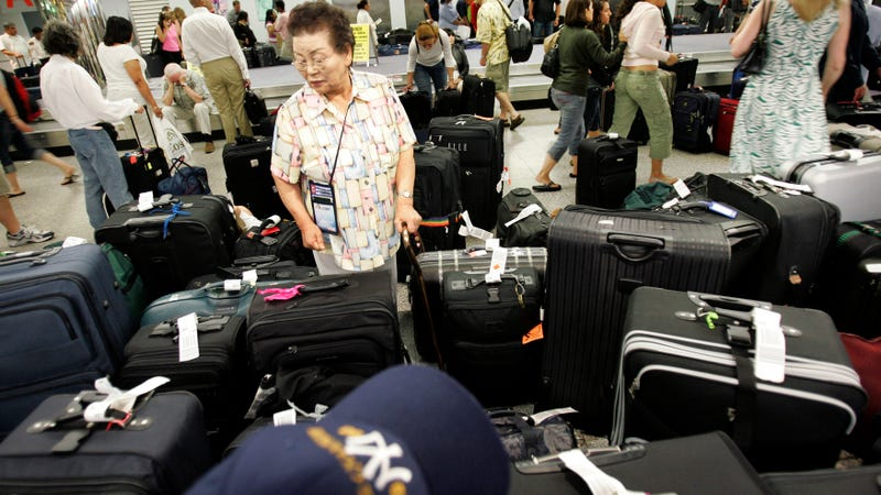 Trump scraps proposal for airlines to disclose baggage fees