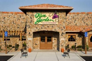 Illustration for article titled Hey, Everybody: Today I Went to The Olive Garden! A Photo Essay