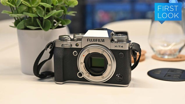 With the Fujifilm X-T4, One of the Best APS-C Mirrorless Cams Gets Even Better