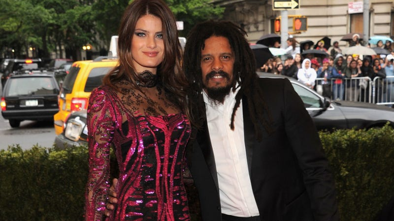 Illustration for article titled Tan Model Isabeli Fontana And Rohan Marley Are Getting Married