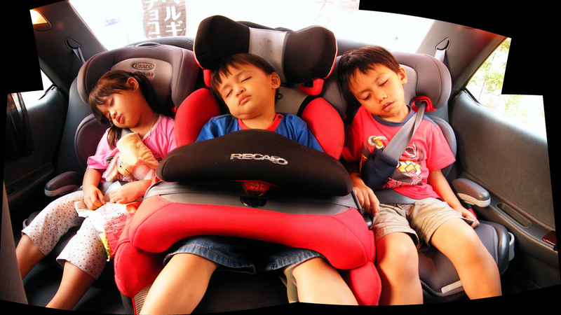 Illustration for article titled These Tips Help You Cram Three Child Seats Into Your Car