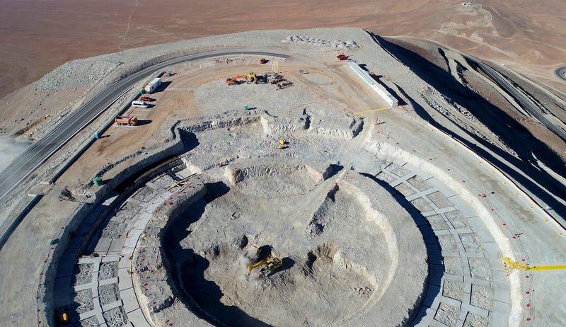 Illustration for article titled Los cimientos del Telescopio Extremadamente Grande dan una idea perfecta de por qué se llama así