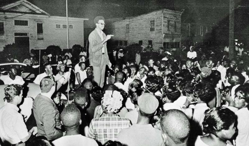Jamil Al-Amin, then H. Rap Brown, addressing the crowd in Cambridge, Md., on July 24, 1967, prior to a dilapidated school being burned down.