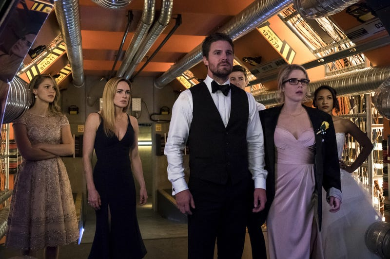 Melissa Benoist, Caity Lotz, Stephen Amell, Grant Gustin, Emily Bett Rickards, and Candice Patton (Photo: Katie Yu/The CW)