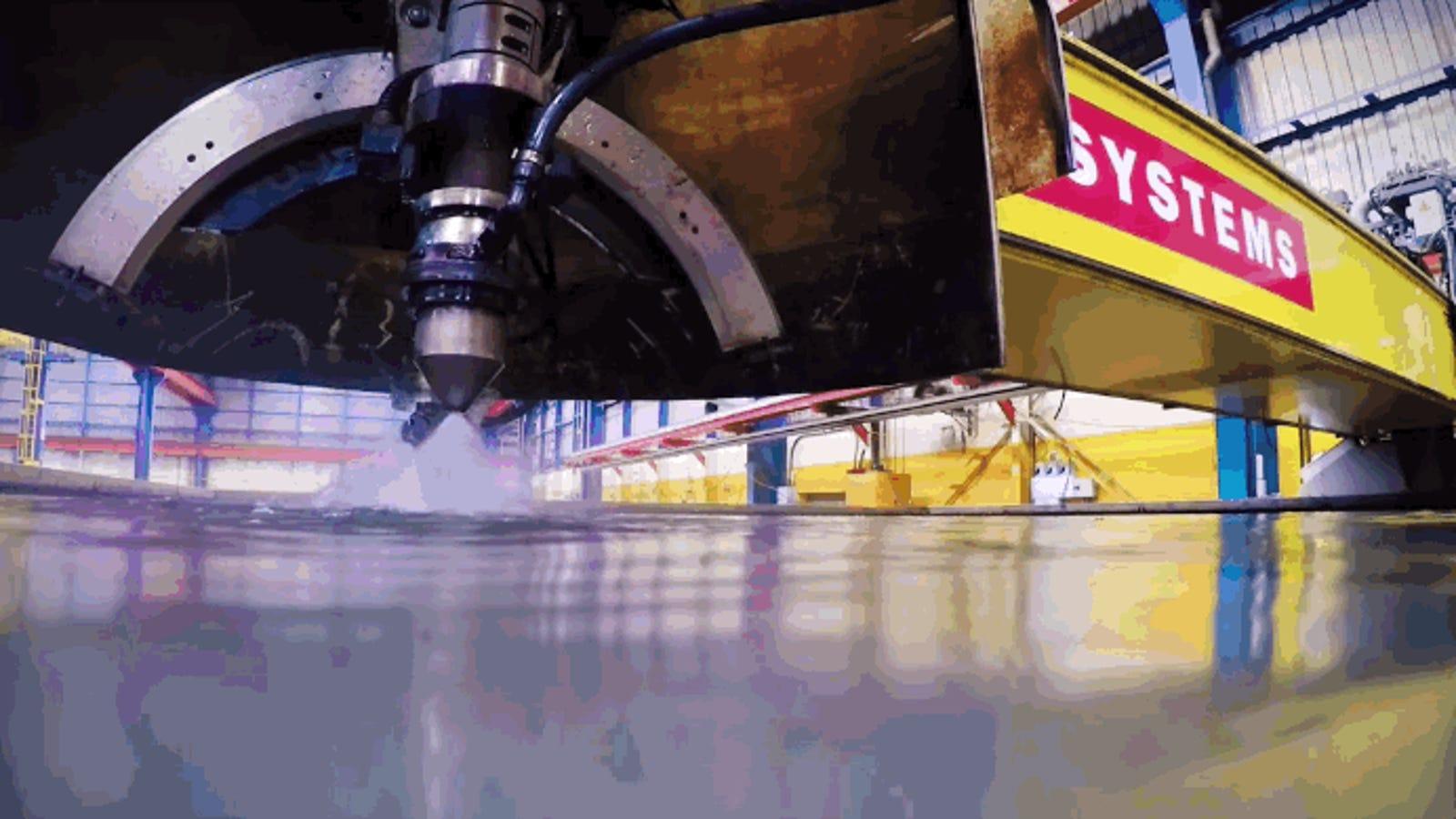 Cómo funcionan las cuchillas de plasma que cortan las piezas para barcos