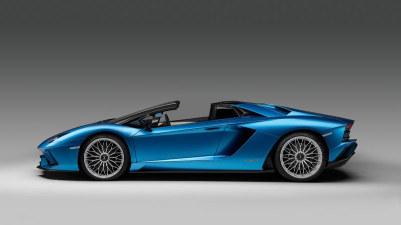 Illustration for article titled I'm Distressed That I Wasn't More Impressed By The 2018 Lamborghini Aventador Roadster S