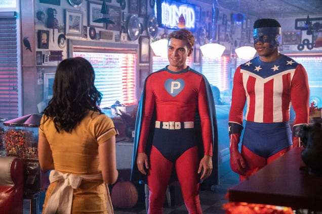 Tricks (killer dolls) and treats (Archie in spandex) abound on a very Riverdale Halloween
