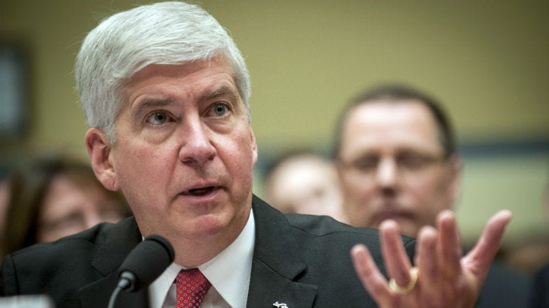 Illustration for article titled Michigan Gov. Rick Snyder Promises to Drink Filtered Flint Water for A Month