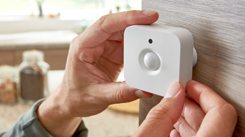 Philips Hue System Adds a Motion Sensor That Will Turn ...