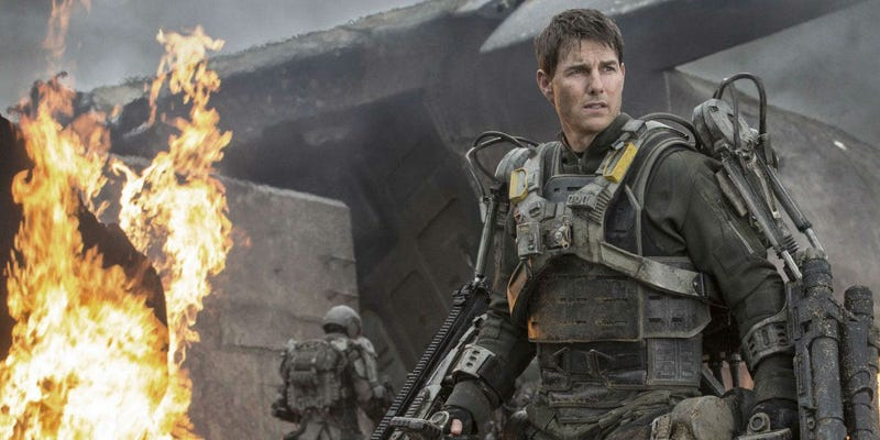Illustration for article titled Tom Cruise and His Edge Of Tomorrow Director May Go To the Moon