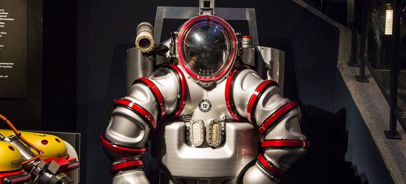 Illustration for article titled Iron Man Exosuit Will Look for 2000-Year-Old Computer Underwater