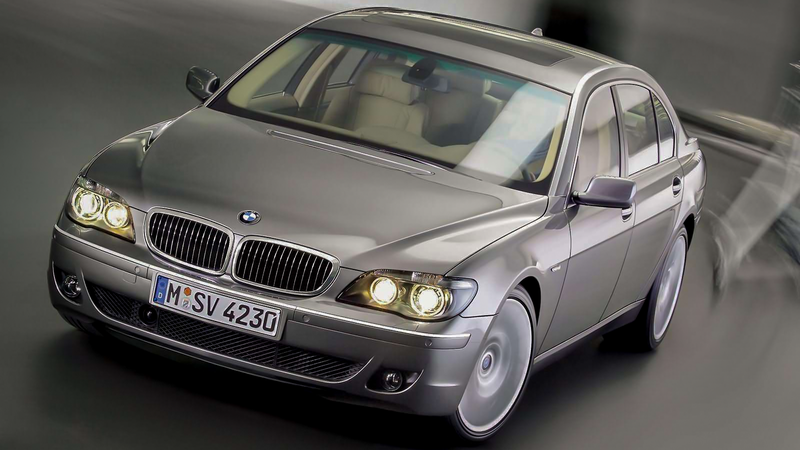 Illustration for article titled How To Own A Ridiculously Cheap And Reliable BMW 7-Series