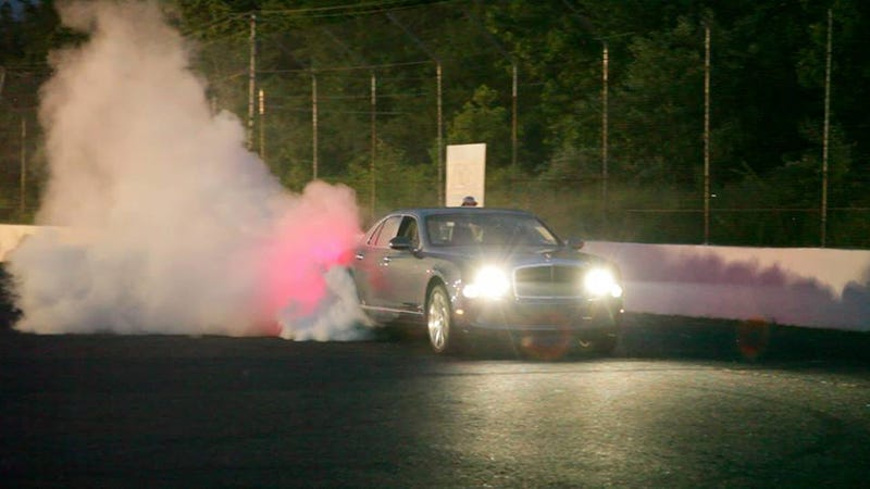 Illustration for article titled Wonder Why This Bentley Is Doing A Burnout?